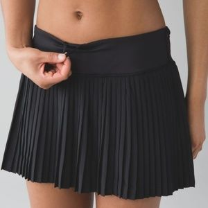 Lululemon Pleat To Street Skirt II Black Mini 8